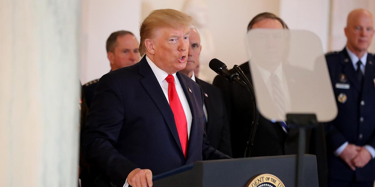 Trump pide a potencias que rompan acuerdo nuclear con Irán para renegociar otro