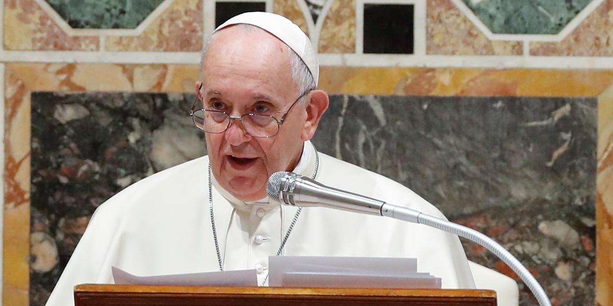 El papa preocupado por las consecuencias de las tensiones entre Irán y EE. UU.