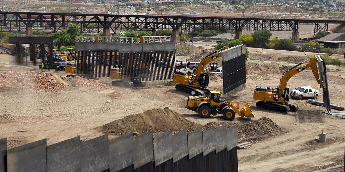 Fallo judicial permitiría a Trump hacer una de las partes más grandes del muro en frontera con México