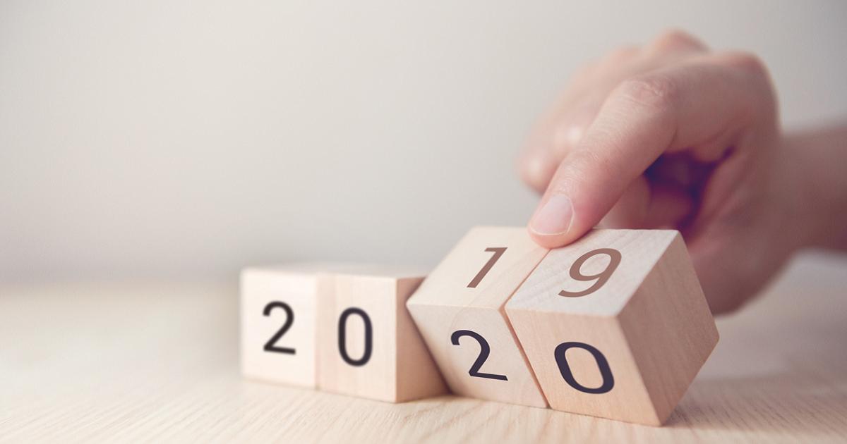 Piénselo dos veces antes de abreviar el año 2020 en todos sus documentos