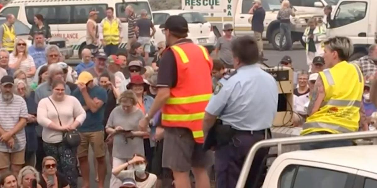 Piden a 240.000 personas evacuar zonas amenazadas por incendios en Australia
