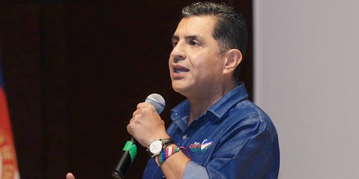 Alcalde de Cali denuncia hallazgo de micrófonos ocultos en su despacho