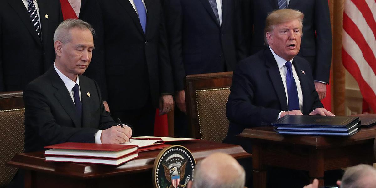 Estados Unidos y China firman esperado acuerdo y frenan guerra comercial