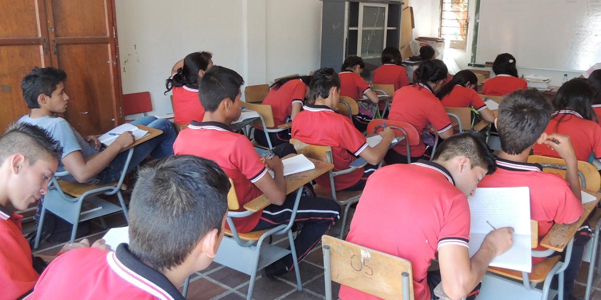 Con 5 % en deserción escolar y 20 mil estudiantes sin matricularse arrancan las clases en Santander