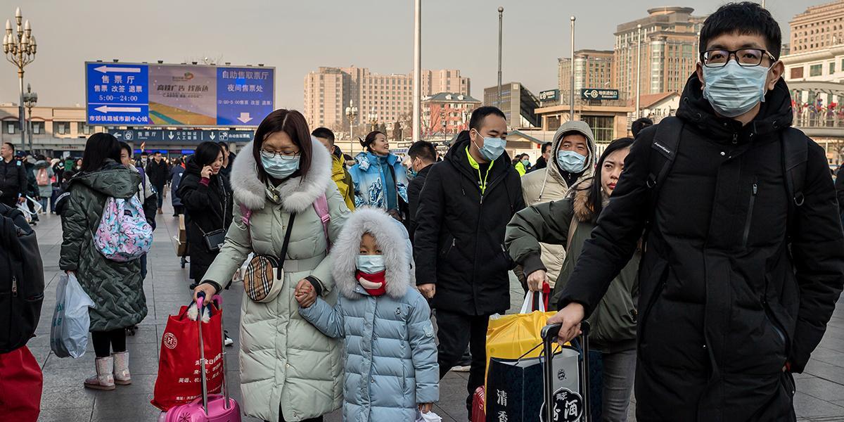 """China confirma seis muertes y casi 300 casos del """"misterioso virus"""""""