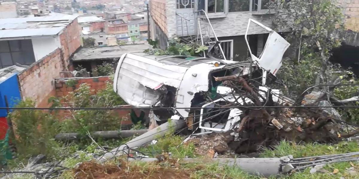 Accidente con ruta escolar deja 10 personas heridas en el sur de Bogotá