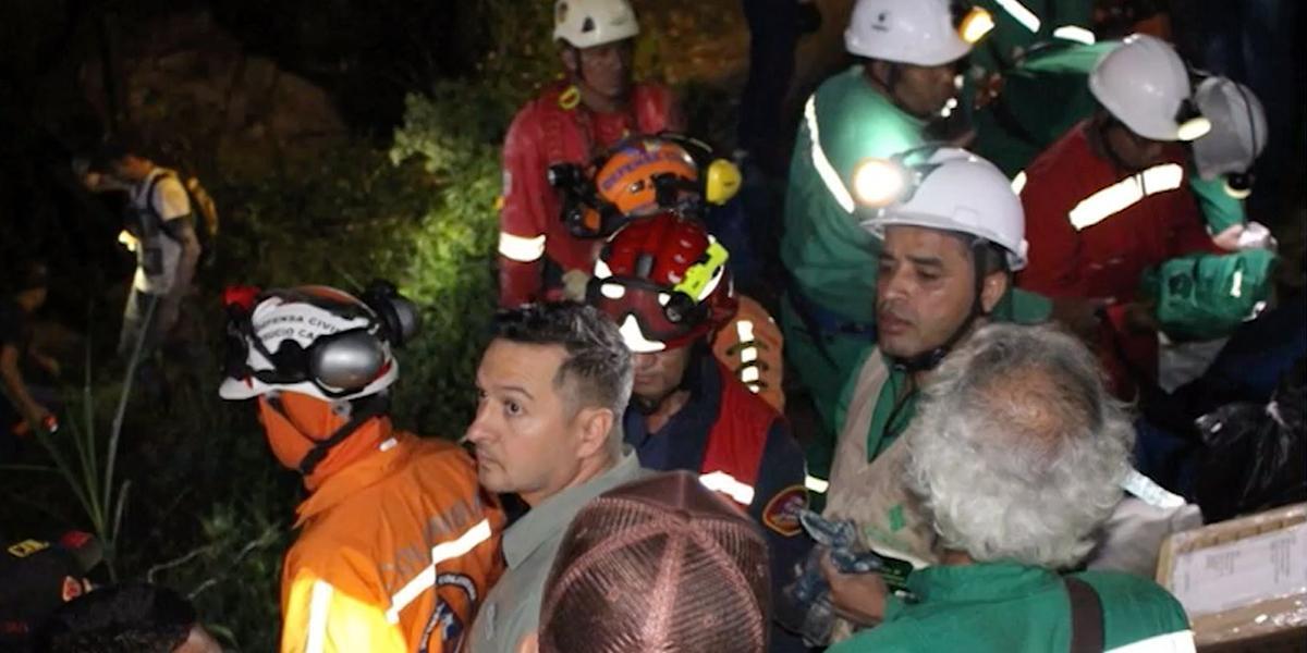 Al menos tres mineros quedaron atrapados en una mina de oro en Caldas