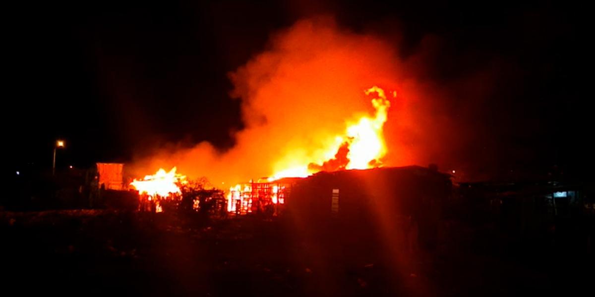 Drama de varias familias que perdieron sus casas en un incendio en Cartagena