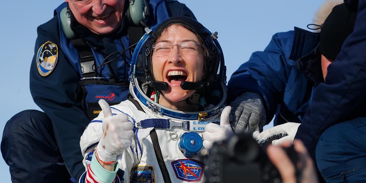 Una astronauta de EE. UU. regresa a la Tierra tras batir el récord femenino de permanencia en el espacio