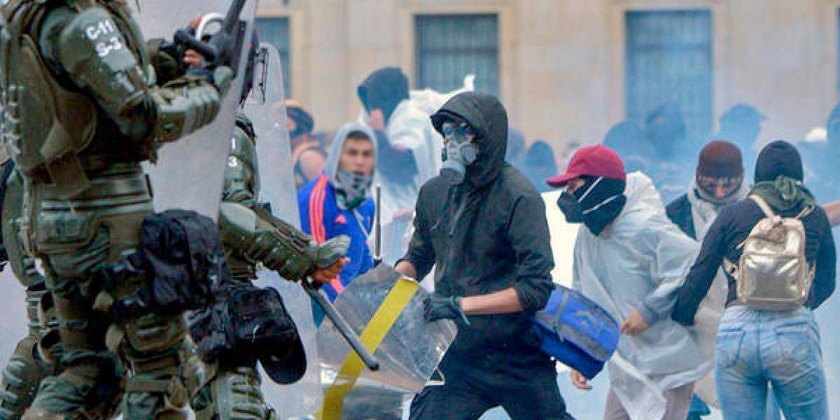 Cárcel para presuntos enlaces de disidencias señalados de reclutar jóvenes y promover vandalismo en Bogotá