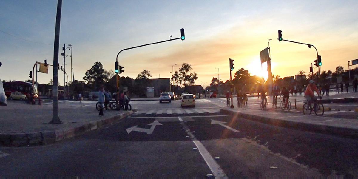 Día sin carro redujo 10 % la contaminación en Bogotá: Claudia López