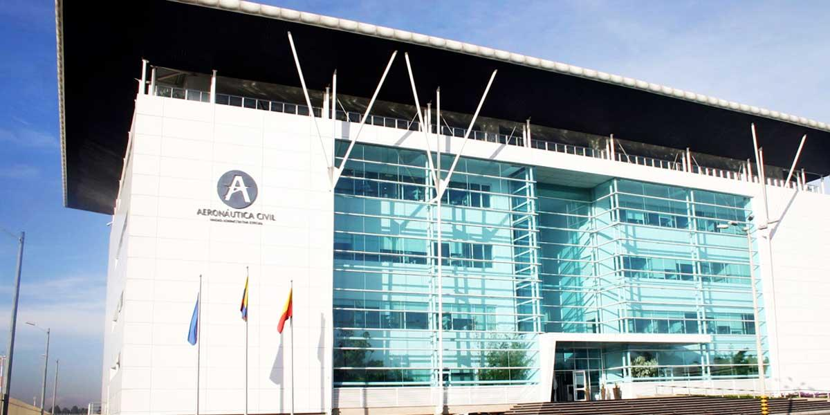 Firman decreto para ampliar planta de personal en Aeronáutica Civil