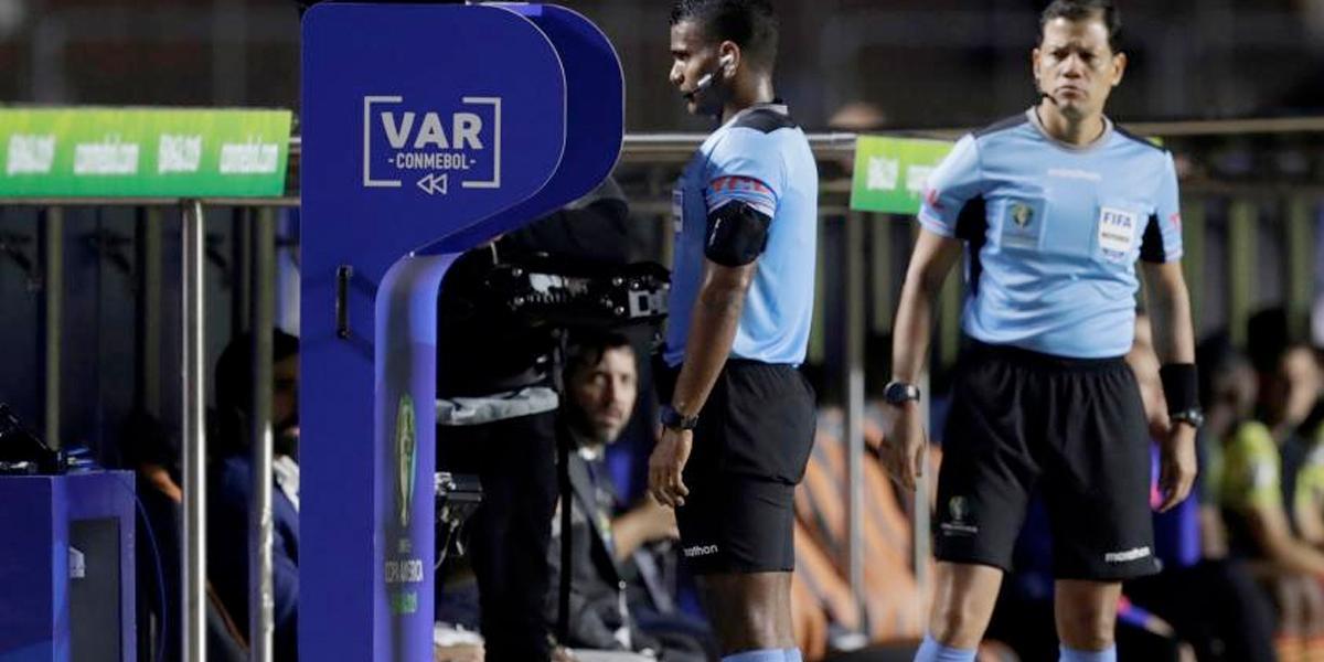 Conmebol anuncia el uso del VAR en eliminatorias para el Mundial de Catar 2022
