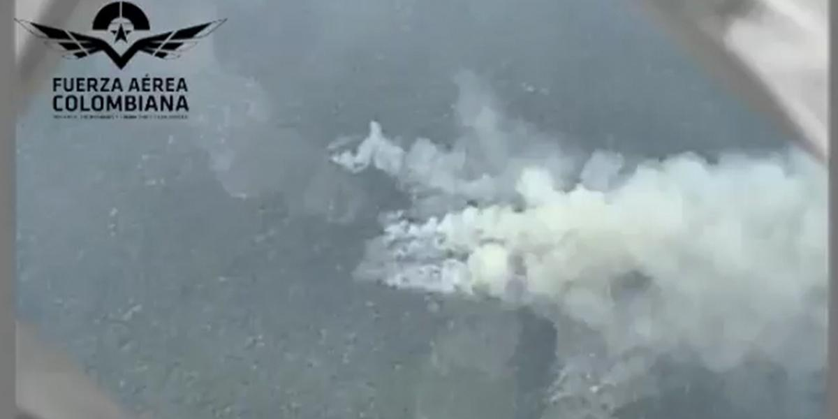 Incendio forestal en el Parque Nacional Natural Tinigua es atendido por la Fuerza Aérea
