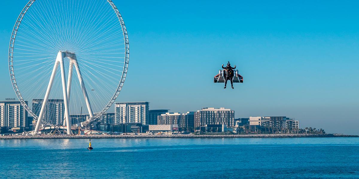 Estas son las mejores fotos que deja el 'hombre avión' tras volar a 1.800 metros sobre Dubai
