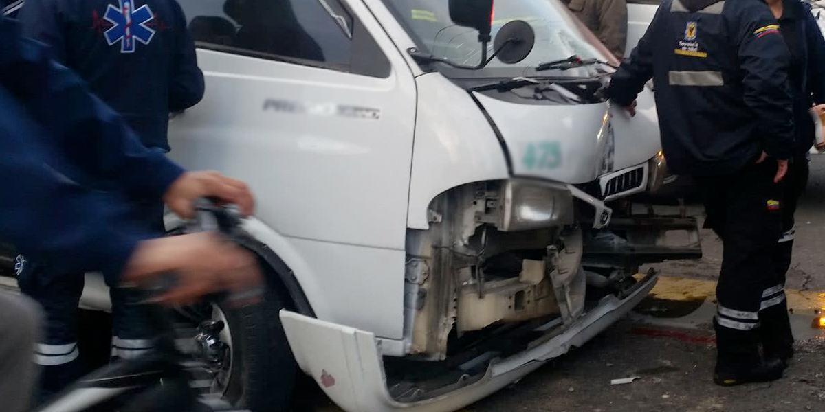 Cuatro heridos deja choque de ruta escolar en Las Ferias