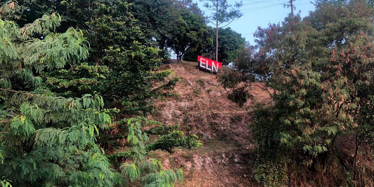Aparece bandera del ELN en el Pueblito Paisa de Medellín