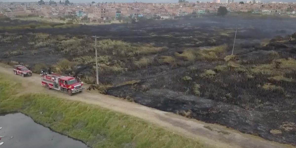 Tragedia ambiental en Bogotá, se incendia humedal Tibanica