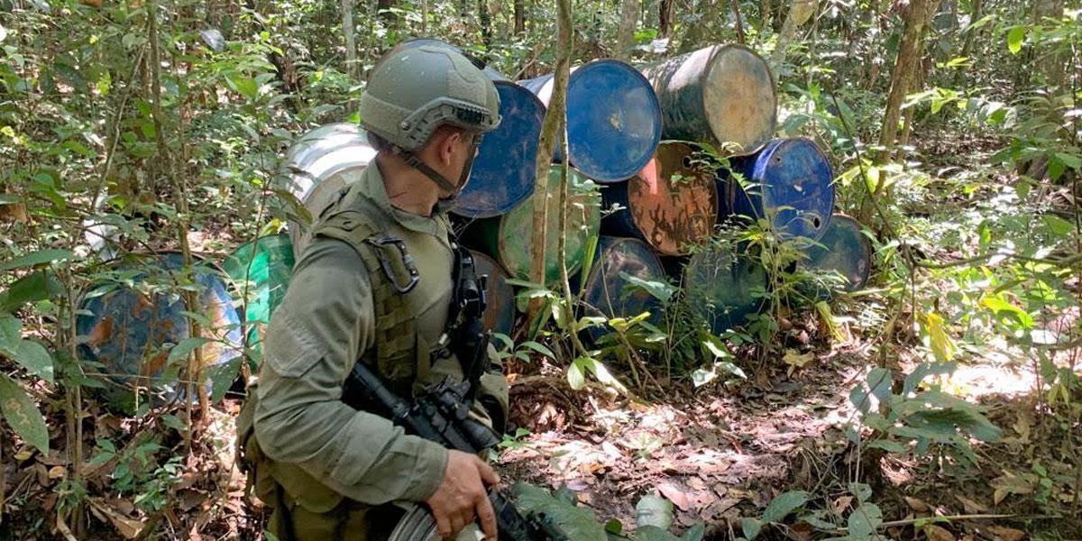 Destruyen dos centros de insumos químicos para la producción de cocaína en Meta