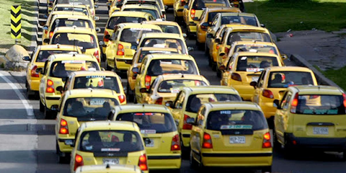 """Taxistas anuncian """"gran paro nacional"""" para el 16 de marzo"""