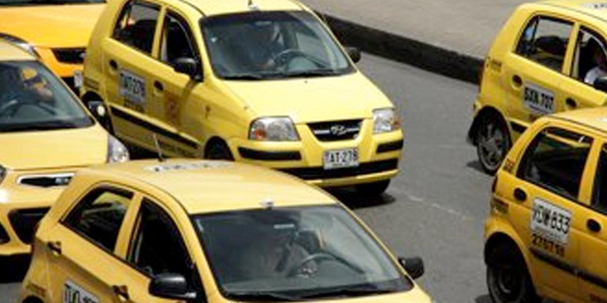 Representantes de Cotech y Taxis Libres preparan nueva denuncia contra Uber