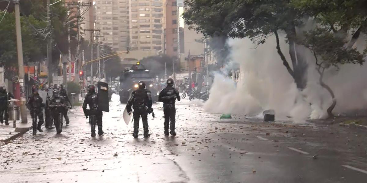 Reportan varios bloqueos y protestas en Bogotá