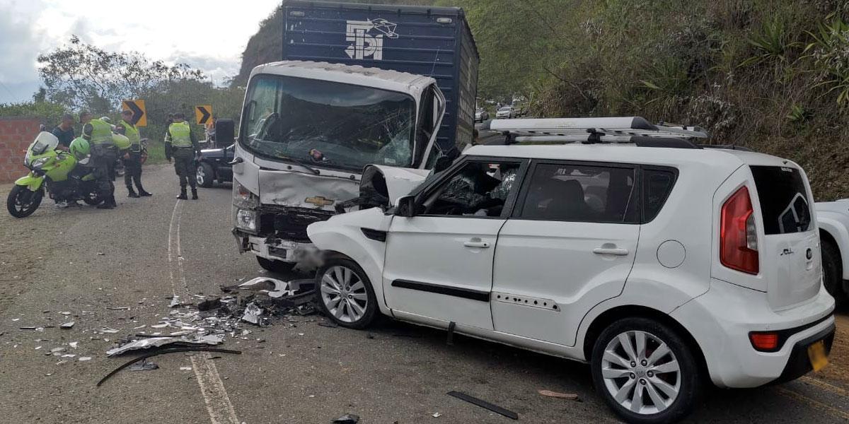 Accidente vehicular deja seis personas heridas en la vía Dagua – Cali