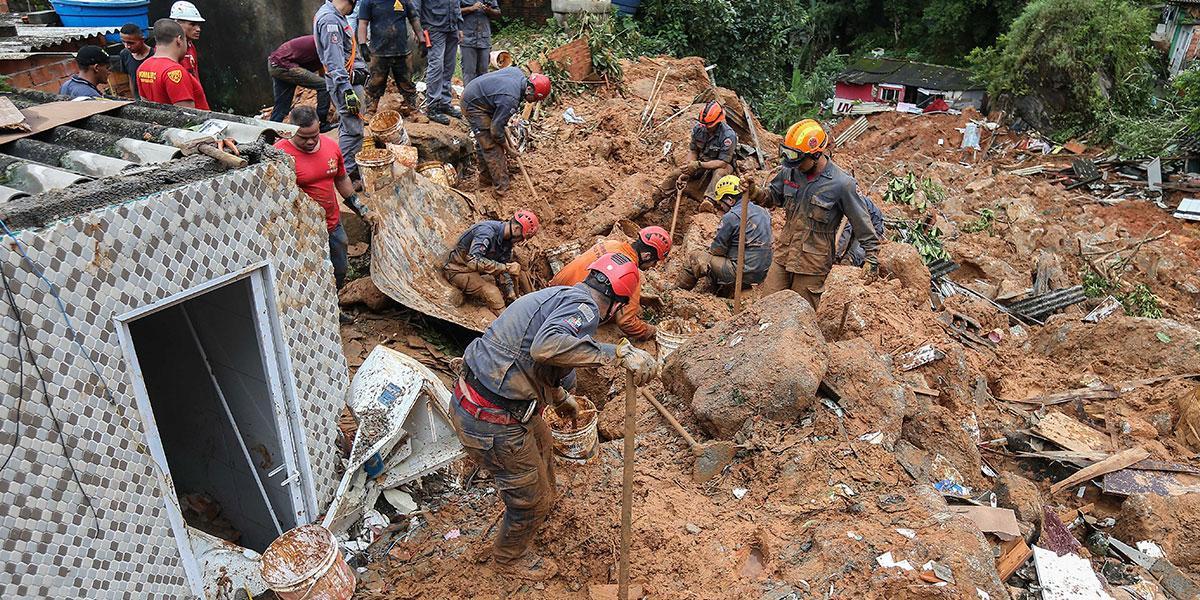 Al menos 16 muertos tras torrenciales lluvias en Sao Paulo, Brasil