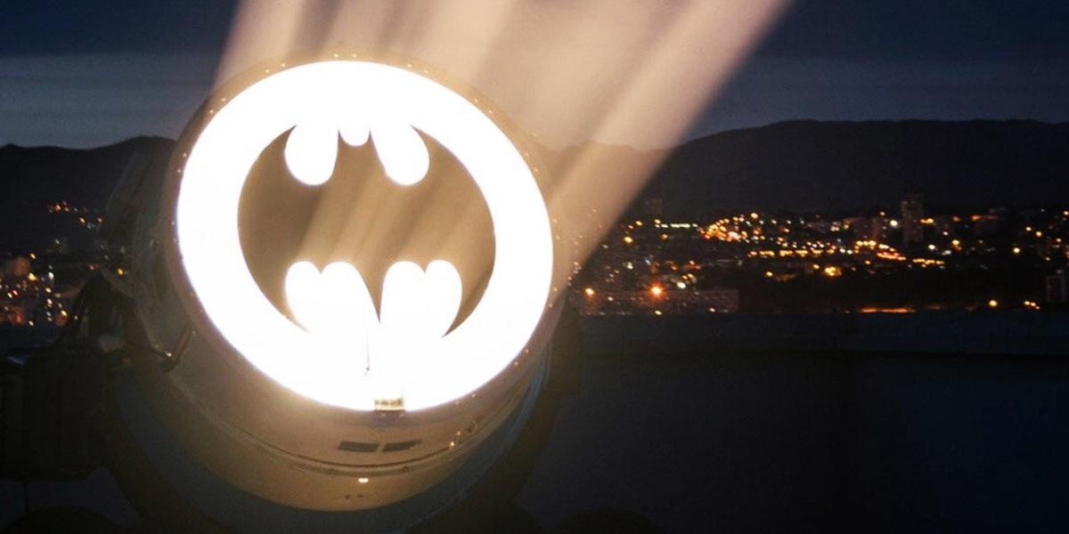 Revelan imágenes del Batimóvil que usará Robert Pattinson en 'Batman' y usuarios responden con memes