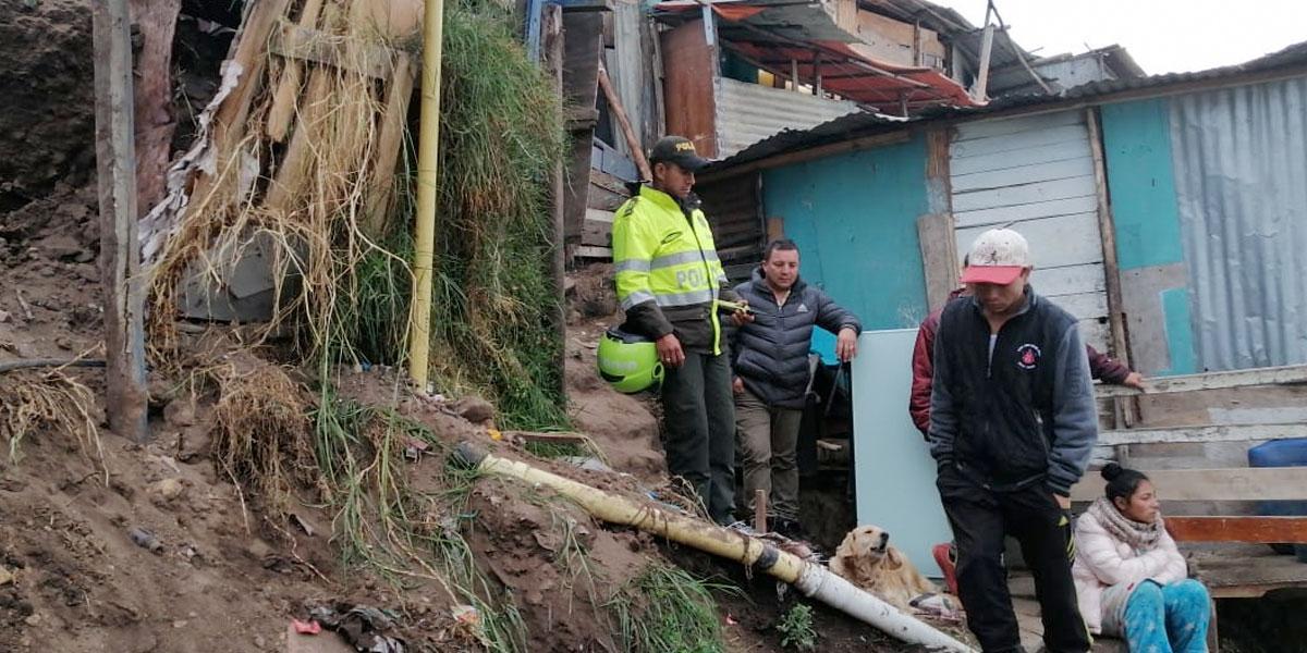 Varias familias damnificadas tras deslizamiento en Soacha