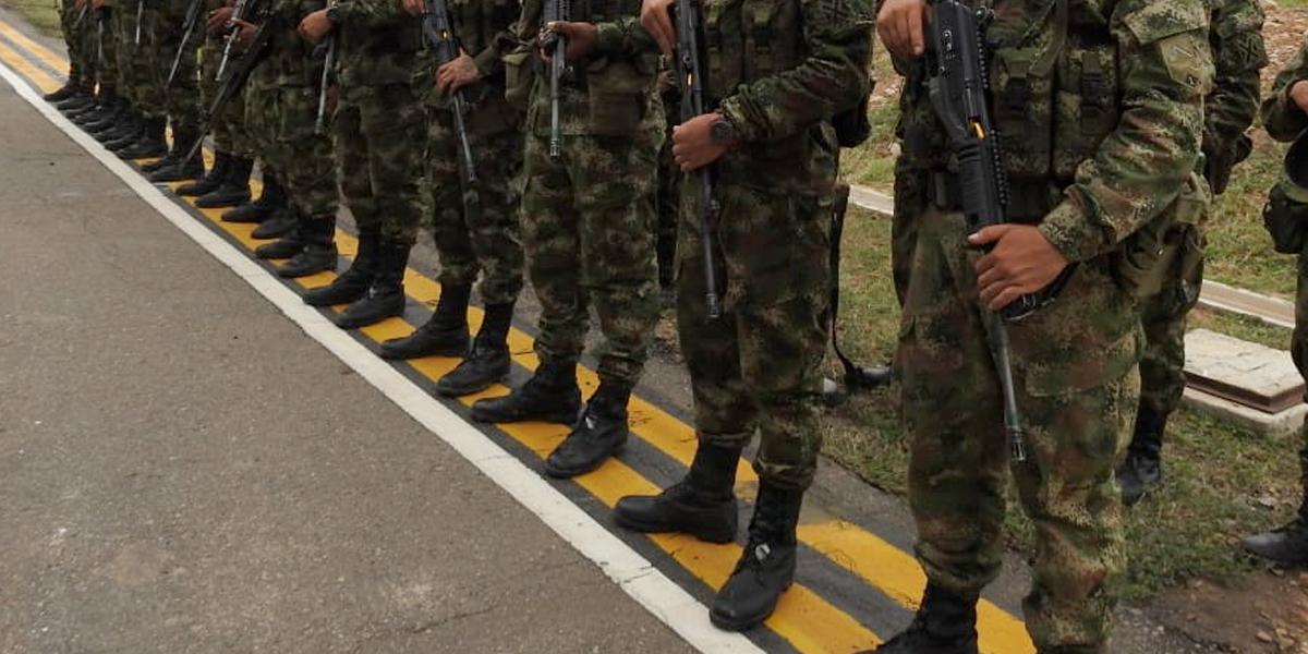 Ejército ofrece disculpas por crear una lista en Twitter a la que llamó 'Oposición'