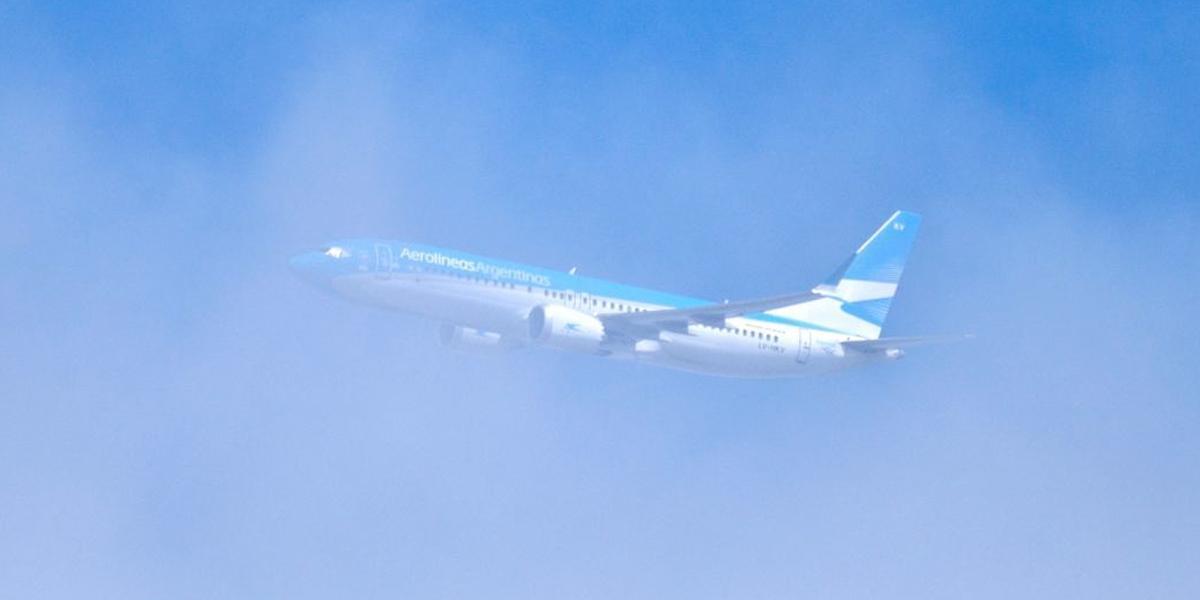 Argentina suspende vuelos por 30 días desde zonas más afectadas por coronavirus
