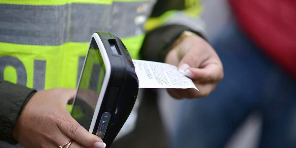 Cientos de conductores multados en Bogotá por no acatar pico y placa