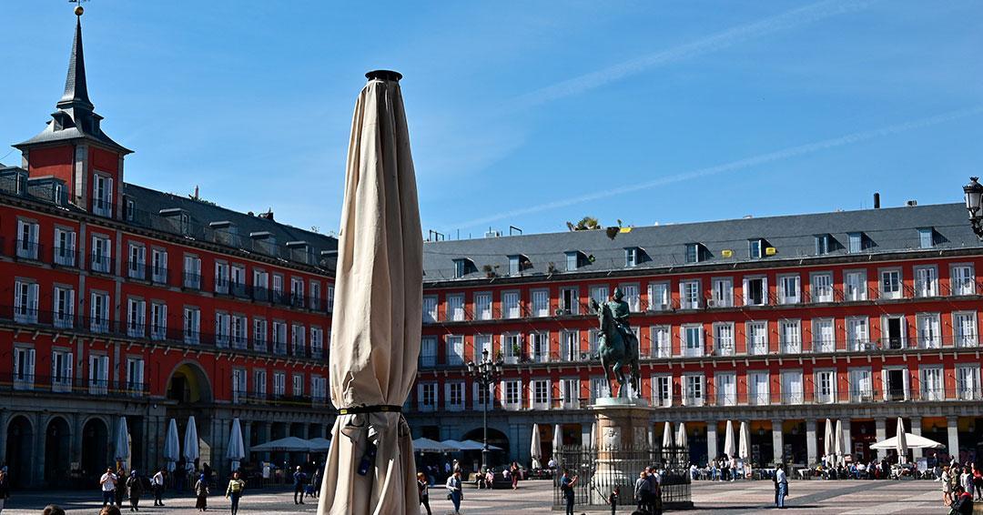Madrid ordena el cierre de comercios, excepto supermercados y primera necesidad