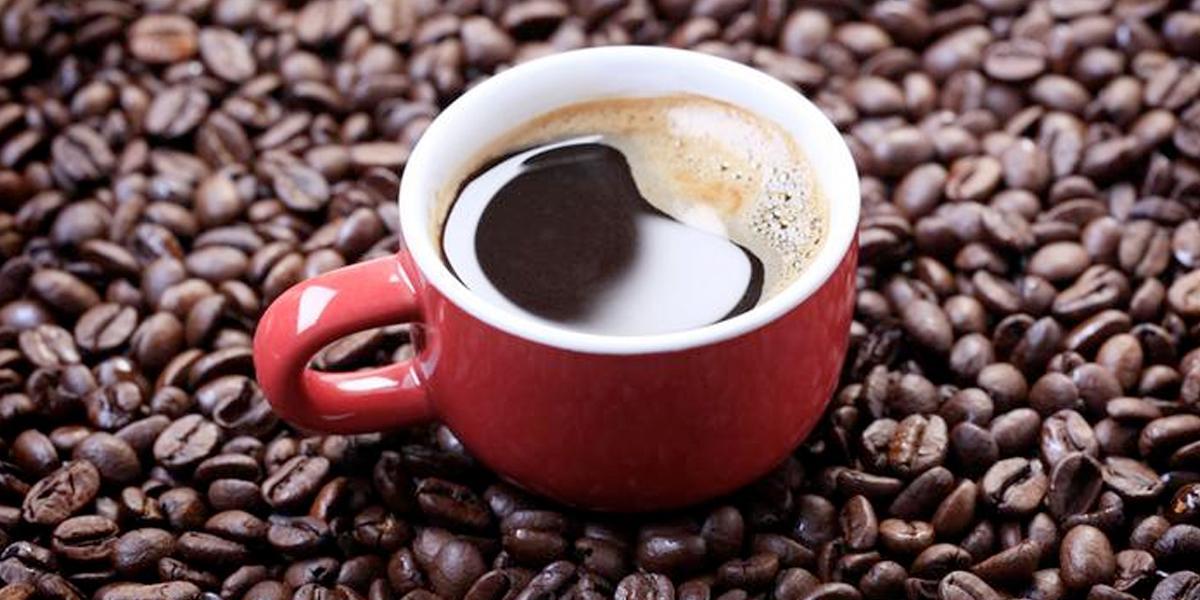 Tiendas de bebidas de café anuncian cierre por coronavirus