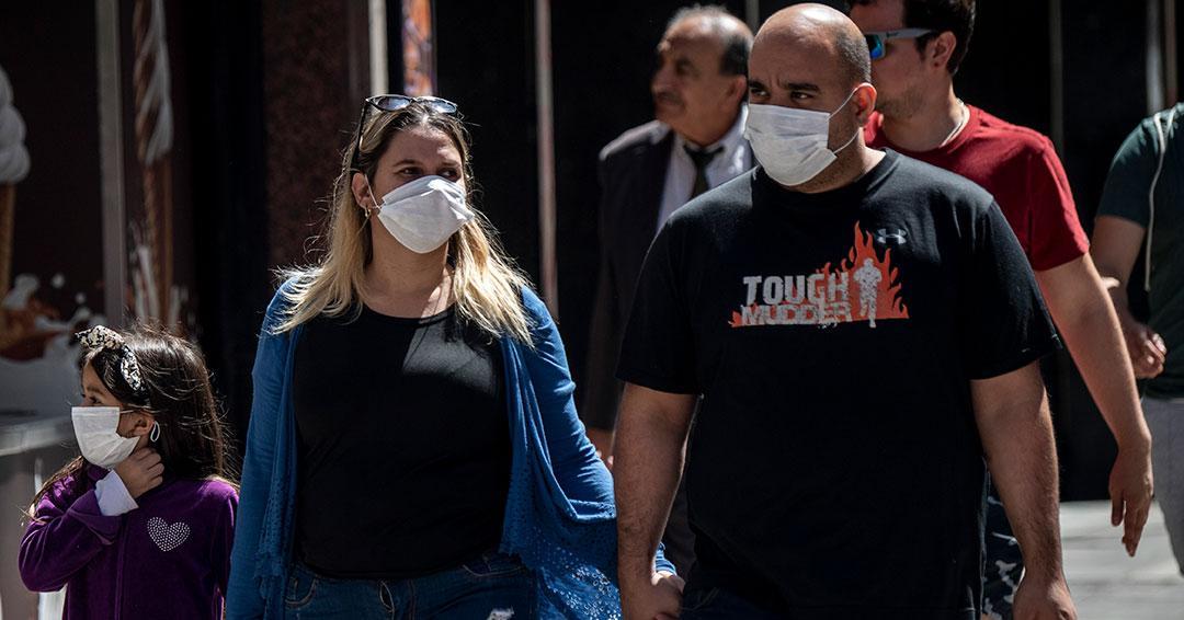 Chile decreta «estado de catástrofe» por coronavirus y saca a militares a las calles