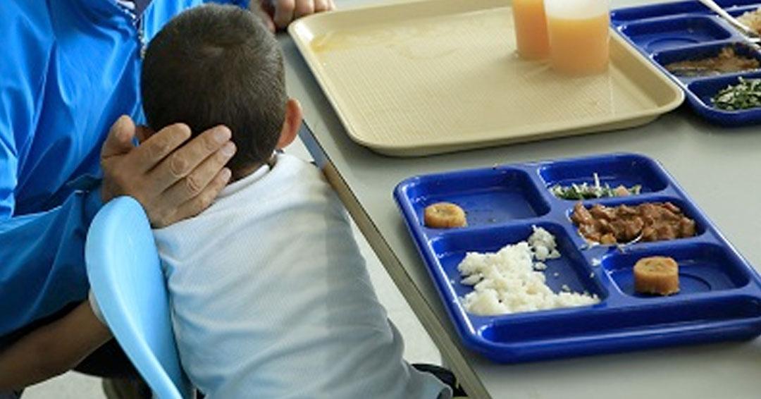 ONU alerta que cierre de comedores escolares afecta a 300 millones de niños