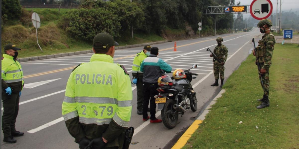 Militares y más de 30 mil policías en calles para garantizar medidas de aislamiento obligatorio