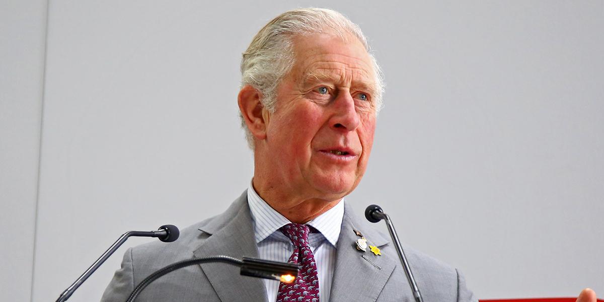 Príncipe Carlos da positivo en COVID-19