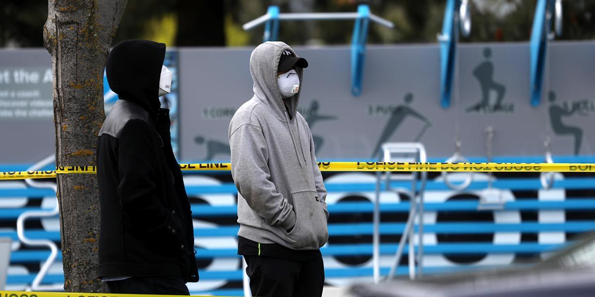 Acusan de terrorismo a dos hombres en EEUU por toser y decir tener coronavirus