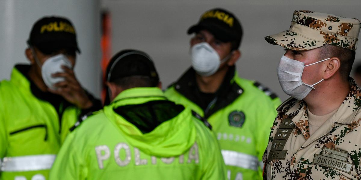 """Policía no tiene """"autorización para acosar a vendedores informales"""", asegura secretario de gobierno"""