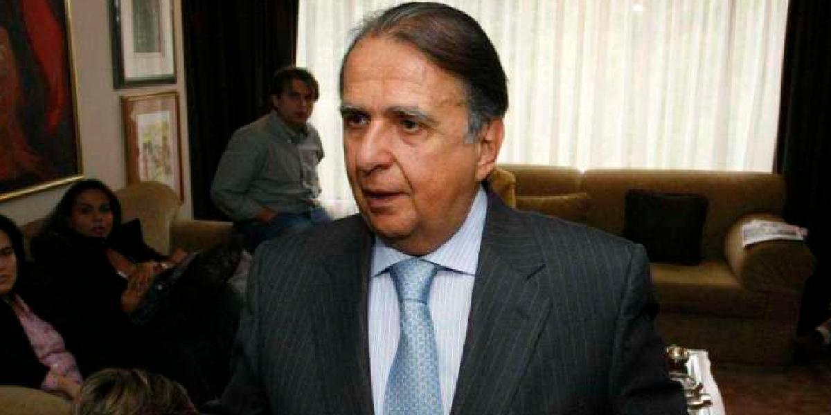 Otorgan libertad condicional a Alberto Santofimio
