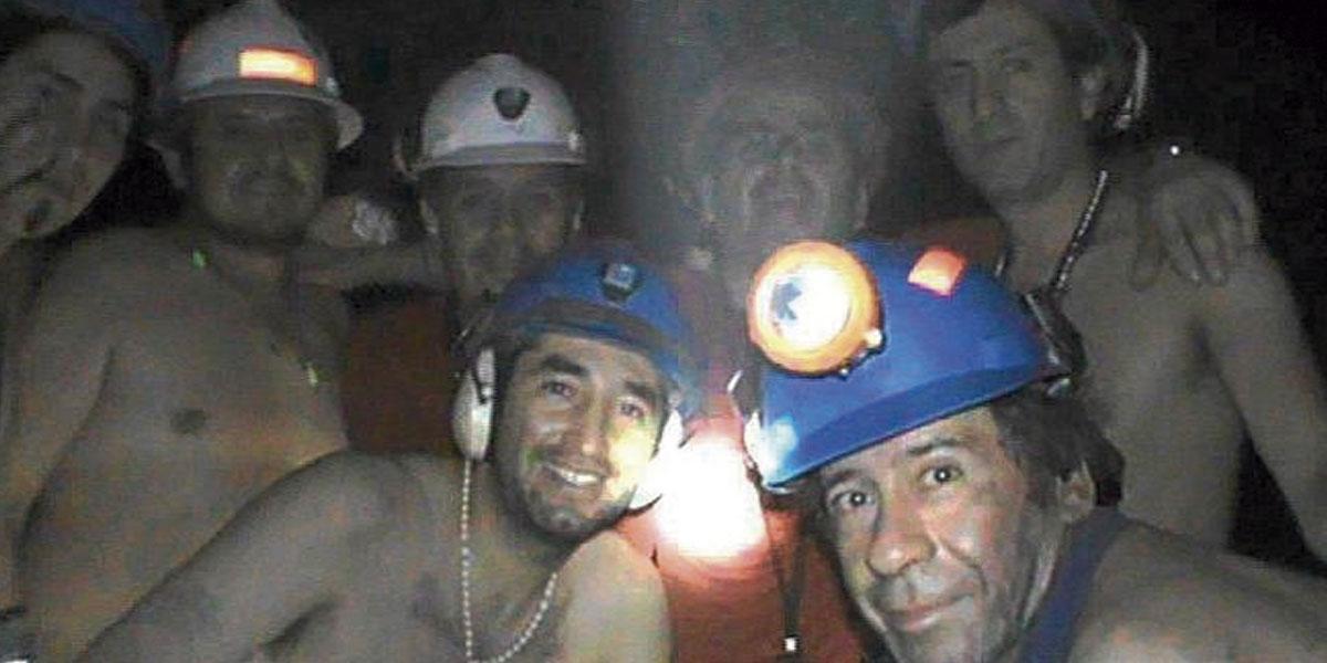Los 33 mineros que estuvieron atrapados 70 días, aconsejan cómo sobrellevar confinamiento