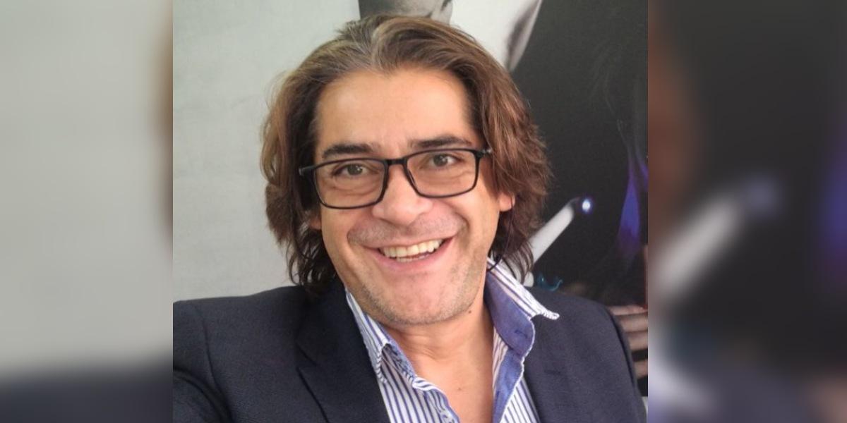 Entre lágrimas el actor Victor Hugo Cabrera pide ayuda para encontrar a su padre en Ecuador