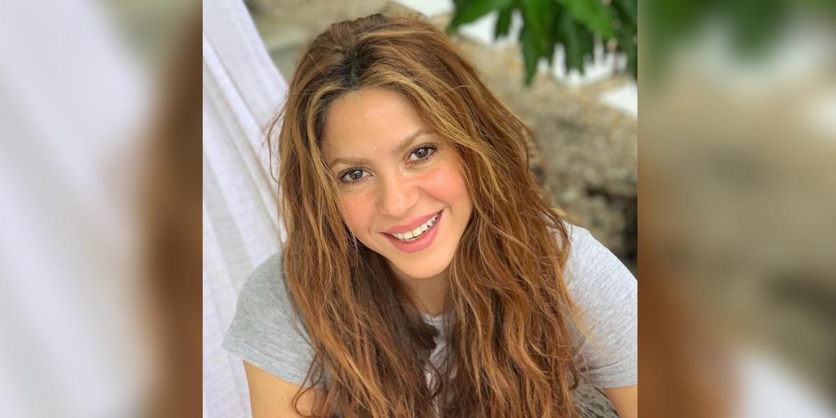 Shakira intenta deslumbrar con ricos brownies, pero se le quemaron