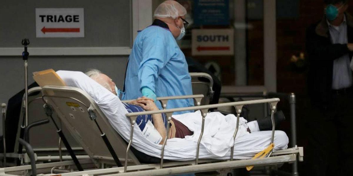EE. UU. registra 2.000 muertes en un día y supera el medio millón de contagios