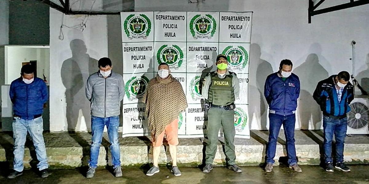 Cinco capturados por estar en 'pelea de gallos' en plena cuarentena en Huila