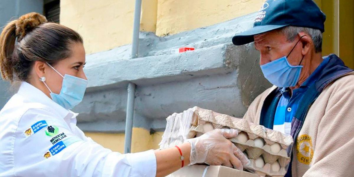 Primera Dama entregó personalmente mercados a familias necesitadas en el centro de Bogotá