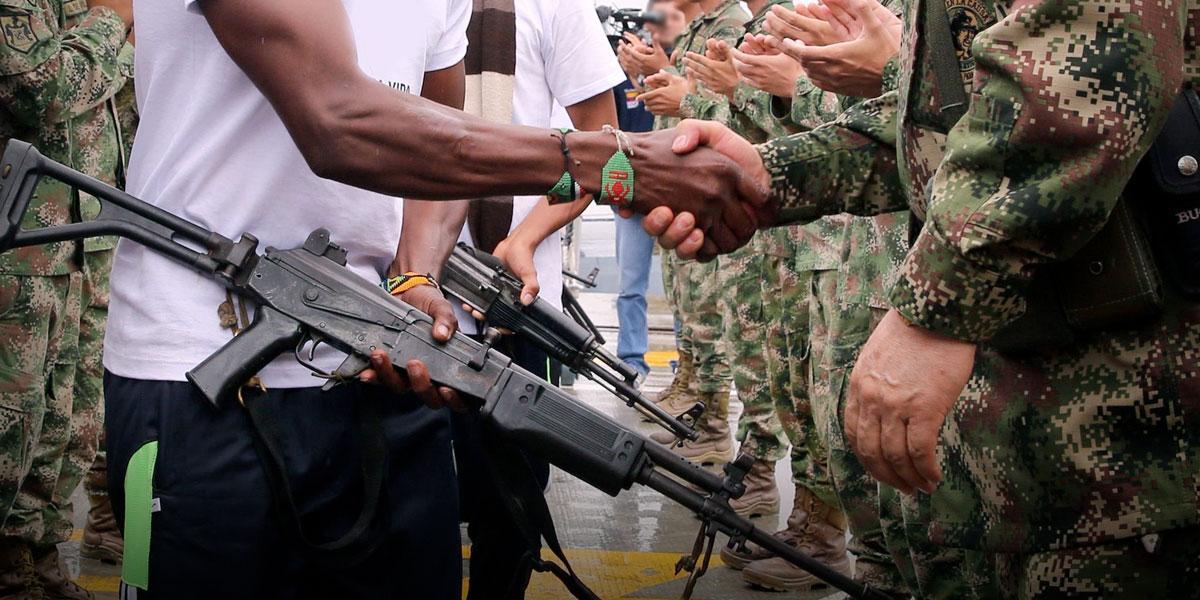 Se desmovilizan 20 integrantes del frente José María Becerra del ELN en El Tambo, Cauca