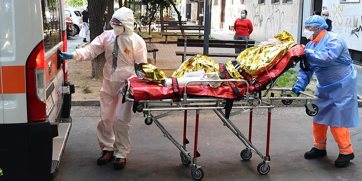Italia registró un alza de muertes de 49,4 % en marzo respecto de los años anteriores